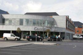 Elm Park Shopping Centre